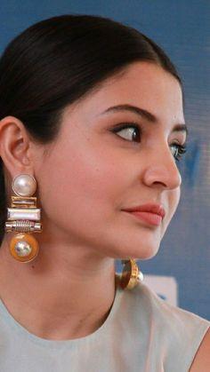 Indian Bollywood Actress, Indian Actress Hot Pics, Bollywood Actress Hot Photos, Most Beautiful Indian Actress, Bollywood Fashion, Indian Actresses, Kareena Kapoor, Deepika Padukone, Virat Kohli And Anushka