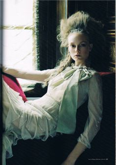 Lady of the House - Victor Demarchelier