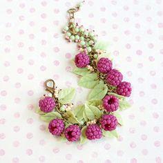 Bracelet raspberries