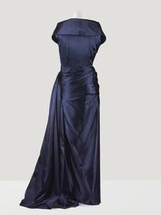 Balenciaga Haute Couture, 1948 - from the wardrobe of Cécile de Rothschild Dior Haute Couture, Couture Christian Dior, Vintage Dresses, Vintage Outfits, 1940s Dresses, Vintage Lace, 1940s Fashion, Vintage Fashion, Vintage Balenciaga