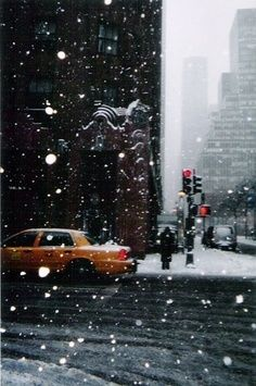 Snow in NYC. I'd love to spend December in New York someday! Saul Leiter, Empire State Of Mind, Empire State Building, Shopping In New York, New York City, Into The Wild, New York School, I Love Ny, City That Never Sleeps