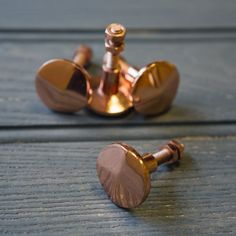 Hi Helen, do you think something nice and small in a polished brass, gold or copper could work like these?