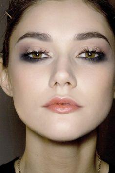 Smokey Under-eye Makeup