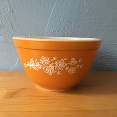Pyrex Butterfly Gold Version II, 401 Nesting Mixing Bowls Flower Bouquet by TrackTownVintage on Etsy