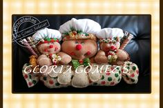 Resultado de imagen para moldes cenefa navideña patchwork Reno, Ornament Wreath, Gift Wrapping, Jar, Wreaths, Christmas Ornaments, Holiday Decor, Gifts, Ideas Para