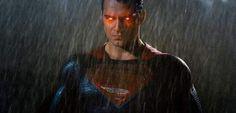 Uma das grandes críticas a Batman vs Superman: A Origem da Justiça foi o fato do Homem de Aço nem sempre usar seus poderes. Agora, uma cena excluída do filme explica o motivo disso acontecer. SPOILERS, obviamente! Em uma entrevista com a IGN, o diretor Zack Snyderfalou sobreuma nova cena e explicou porque o Superman …