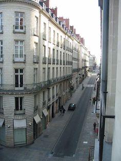 Nantes - Rue Crébillon, rue piétonne principale de Nantes qui joint la place Royale à la place Graslin. Rue Pietonne, France, Places, Room, Nantes, West Coast, Wayfarer, Brittany, City