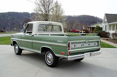 1969 Ford F100 Ranger the girls did not like this.. they called it the green slime pick up