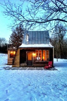 Small and cozy rustic cabin tiny home