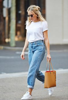 Browse 20 picture-perfect picnic outfit ideas at @stylecaster | blogger @brooketestoni in white tee, cuffed boyfriend jeans, white sneakers