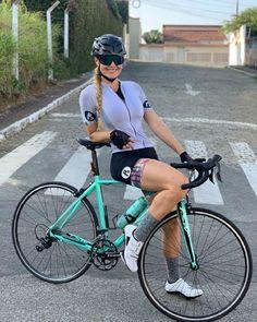 Bike Clothing, Beautiful Roads, Beautiful Athletes, Female Cyclist, Cycling Girls, Cycle Chic, Bicycle Girl, Sport Girl, Triathlon