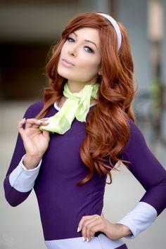 Character: Daphne Blake / From: Hanna-Barbera's 'Scooby Doo' Cartoon / Cosplayer: Karen Kaplewicz (aka Karen Kap, aka KarenKapTV) / Photo: Carlos G Photography (2017)