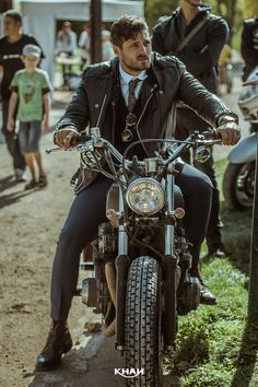 The Distinguished Gentleman's ride 2015  http://unik.io/2015/09/30/the-distinguished-gentlemans-ride-2015/