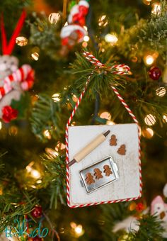 Miniature+Gingerbread+Baking+Scene+Christmas+Ornament