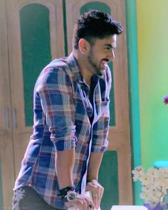 Thz z wen he sees his own picture nd thinkz:OMG hw cute I am -Amazng performance agn . Tv Actors, Actors & Actresses, Zain Imam Instagram, Dj Movie, Cute Poses For Pictures, Crush Pics, Trendy Mens Fashion, Indian Star, Cute Stars