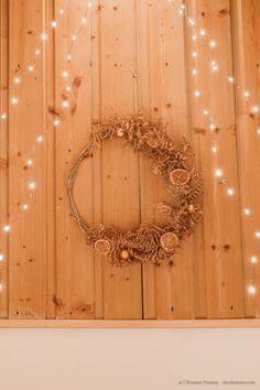 DIY : couronne de Noël naturelle en fougères séchées - C by Clemence Noel Christmas, Homemade Christmas, Grapevine Wreath, Grape Vines, Blog, Lifestyle, Home Decor, Fern Bouquet, Diy Room Decor