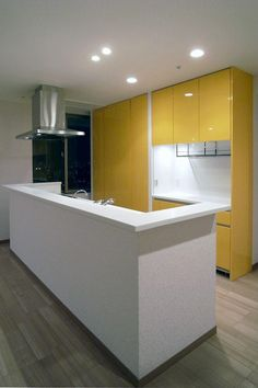 キッチン(リビングを広く)