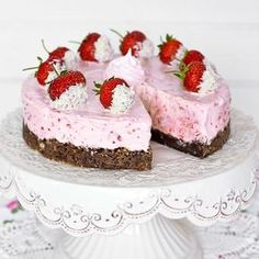 Cheesecake has a good kladdkakebotten. Köstliche Desserts, Delicious Desserts, Cake Recipes, Dessert Recipes, Sweet Pastries, Swedish Recipes, No Bake Cake, Baked Goods, Love Food