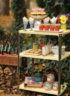 You will love this retro style kitchen themed bridal shower with it's bright colors and mini food cart. Great ideas and inspiration here. Retro Party, Vintage Party, Vintage Tea, Bridal Shower Decorations, Bridal Shower Games, Recipe For Love Bridal Shower, Retro Bridal Showers, Creative Party Ideas, Table Vintage