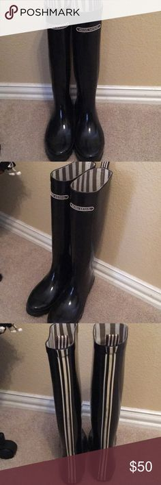 Henri Bendel Rainboots Black rainboots from Henry Bendel. Size 7. Barely worn and in good condition! henri bendel Shoes Winter & Rain Boots