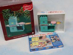RARE Carlton Cards MINI Kenner Easy Bake Oven Ornament-GREAT Display w/Tutti* #Accessories