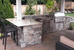 Ways To Choose New Cooking Area Countertops When Kitchen Renovation – Outdoor Kitchen Designs Outdoor Kitchen Patio, Outdoor Kitchen Countertops, Outdoor Kitchen Design, Outdoor Kitchens, Small Backyard Pools, Backyard Patio Designs, Backyard Bbq, Outdoor Glider, Backyard Renovations