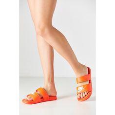 Nike Benassi Duo Ultra Slide ($40) ❤ liked on Polyvore featuring shoes, sandals, orange, orange sandals, nike sandals, rubber sole shoes, nike and nike footwear