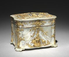1765 Austrian Box (Nécessaire?) at the Cleveland Museum of Art, Cleveland - This box is quite versatile, since it contained both writing utensils (ex. ivory writing tablet, pencil, letter knife, etc.) and sewing implements (ex. thimble, bobbins, etc.).
