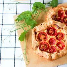 Elokuun täydellinen välipala: suolaiset muffinssit – valmistuvat käden käänteessä! - Ajankohtaista - Ilta-Sanomat Pepperoni, Pesto, Pineapple, Tacos, Pizza, Ethnic Recipes, Food, Pine Apple, Essen