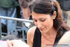 Lisa Edelstein signs autographs at the 'Transcendence' Premiere