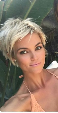 Best Hair Style Ideas Pixie Cuts That Make Women More Beautiful 27 – Tuku OKE