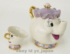 So cute! Ideal for a little girls tea party.