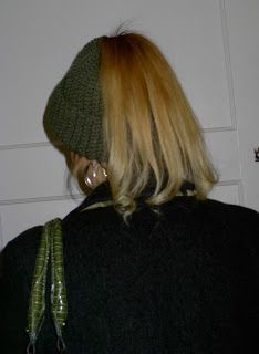 free pattern for crochet ponytail hat (adult-sized)