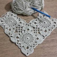 Transcendent Crochet a Solid Granny Square Ideas. Inconceivable Crochet a Solid Granny Square Ideas. Col Crochet, Crochet Bolero, Crochet Motif, Irish Crochet, Crochet Doilies, Hand Crochet, Crochet Stitches, Free Crochet, Crochet Patterns