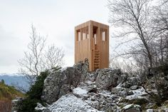 On the mountainous Mediterranean island of Corsica, local architecture office Orma Architettura has completed three unique viewing platforms titled 'Observatoire du Cerf Corse'. Architecture Design, Architecture Office, Landscape Architecture, Nature Sauvage, Journal Du Design, Wood Magazine, Architectural Section, Natural Park, Corsica