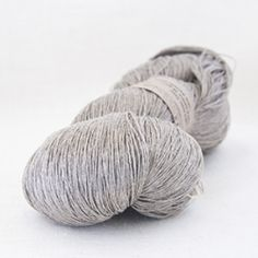 XS-21  Linen  unit size: 3.5 oz.  content: 100% linen  yardage: 763 yds.  weight: lace  suggested epi for weaving: 10-15  suggested needle size for knitting: us no. 2-8