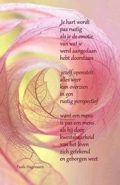 Sun Tutorial and Ideas Poem Quotes, Bible Verses Quotes, Wall Quotes, Best Quotes, Life Quotes, Foreign Words, Dutch Quotes, Poems Beautiful, Thing 1