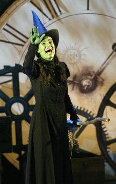 Amazing Show, Would give my right arm to see Idina as Elphaba, Can you even!!!!??