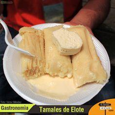 Riquísimos Tamales de Elote con su respectiva crema y queso - #esamundo