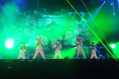 ももいろクローバーZ JAPAN TOUR 2013「5TH DIMENSION」の様子。