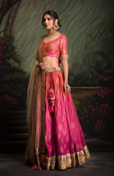 Shaded Lehenga with Banarsi with foiled blouse clubbed with Mukaish gold dupatta. Fabric: Heavy Cotton