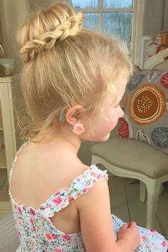 Cute Flower Girl Hairstyles ❤ See more: http://www.weddingforward.stfi.re/flower-girl-hairstyles/ #weddings