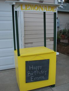 I made this Lemonade Stand using a recycled Microwave Stand!
