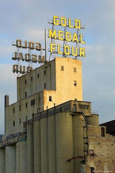 Gold Medal Flour Mill in the Mill District of Minneapolis by Rocky Mountain Joe, via Flickr