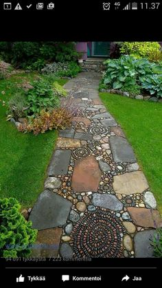 This design ideas are excellent for creating beautiful garden paths that agree with your landscape. Almost all of these examples are simple to create and would work nicely in nearly any garden design. I'm speaking about garden paths. Diy Garden, Dream Garden, Garden Projects, Herb Garden, Vegetable Garden, Garden Kids, Family Garden, Shade Garden, Diy Projects