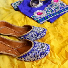 Customised love for client!!! Silver bloom design in royal blue color  Dm for placing your order!!!  #juttis #blue #ss16 #handcrafted #new #customised #silverbloom #instagram #modasanskriti #jutti #juttiswag #handmade #artisans #womensfashion #footporn #punjabi #wedding #fashionblogger #fashionable