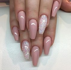 30 Stunning and Amazing Pink Acrylic Nails - Accent nails Glitter Accent Nails, Silver Nails, Pink Glitter, Sparkle Nails, Glitter Art, Nude Sparkly Nails, Glitter Toms, Glitter Glue, Glitter Makeup