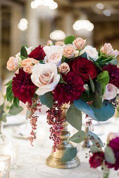 ideas for fall wedding flowers Blush Wedding Centerpieces, Wedding Flower Arrangements, Flower Centerpieces, Wedding Bouquets, Wedding Decorations, Centrepiece Ideas, Wedding Cakes, Burgundy Floral Centerpieces, Table Decorations