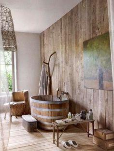 HOME & GARDEN: Et pourquoi pas une baignoire en bois?
