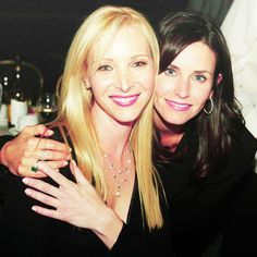 Lisa Kudrow and Courteney Cox